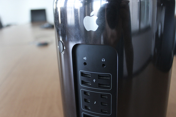 Mac Pro, collection by MacGeeksCom – mac//geeks